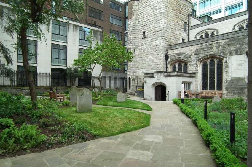 St Olave Churchyard